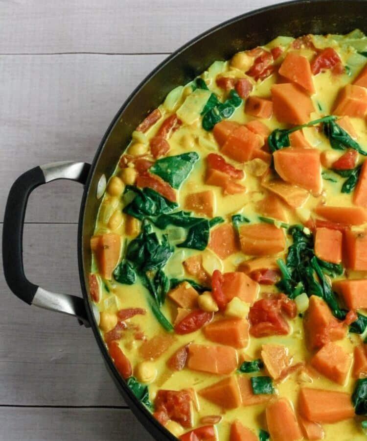 vegan curry in pot