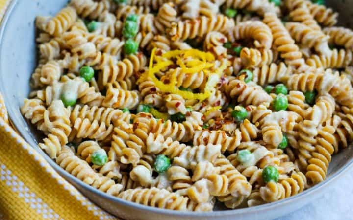 vegan alfredo sauce and pasta