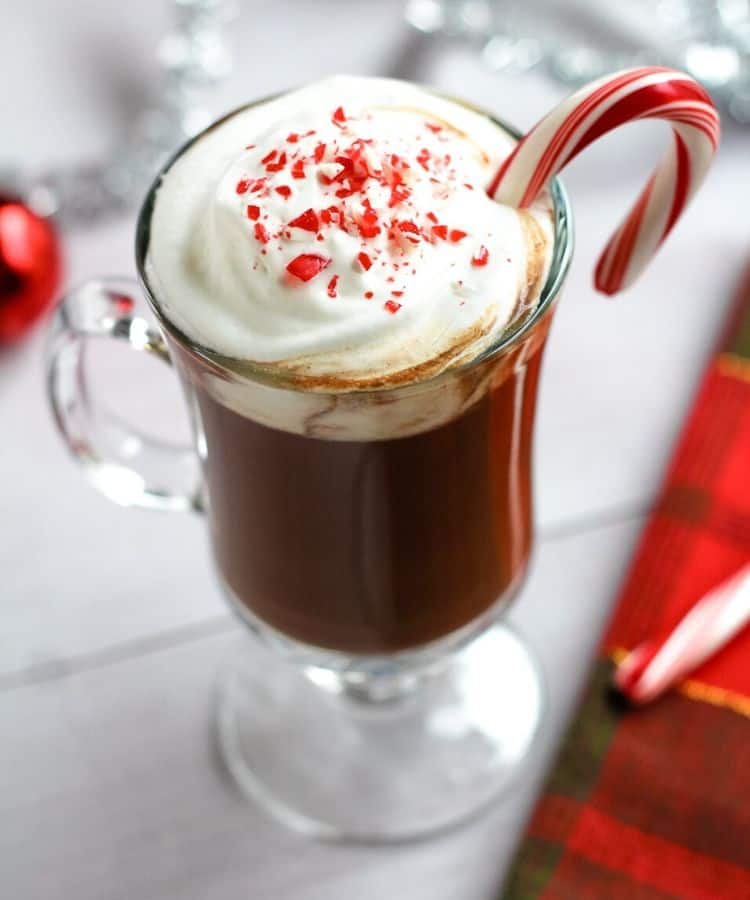 vegan hot chocolate with peppermint
