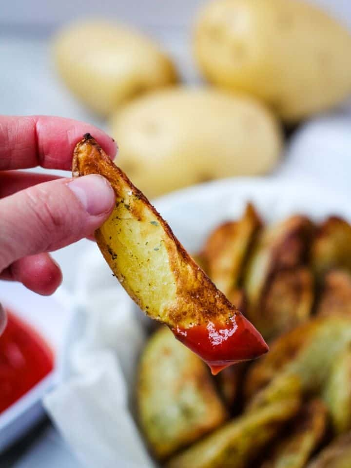 air fryer potato wedge with ketchup