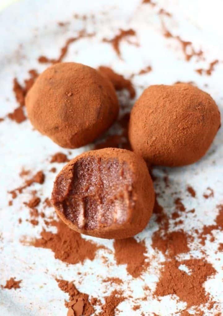 homemade vegan Christmas gifts chocolate truffles