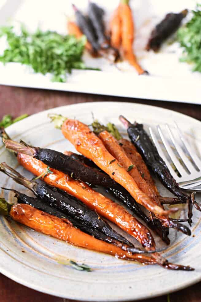 roasted colorful carrots with maple glaze