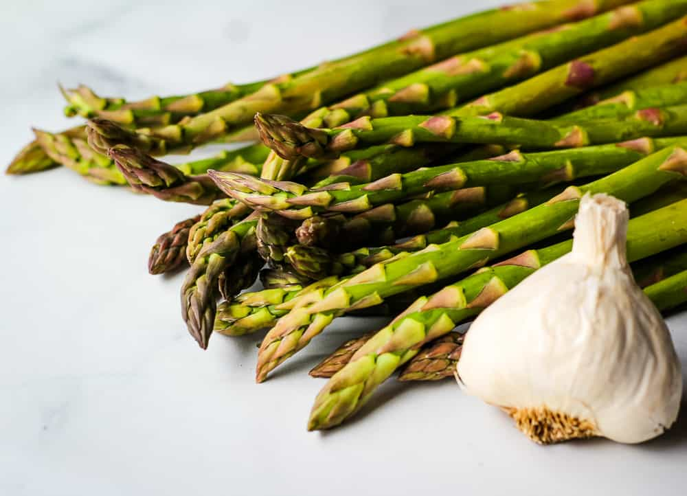 fresh asparagus and garlic clove
