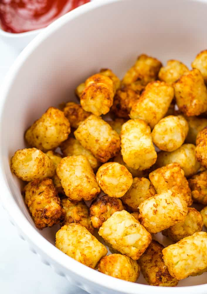 air fryer tater tots in serving bowl