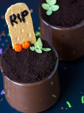 halloween graveyard pudding cup