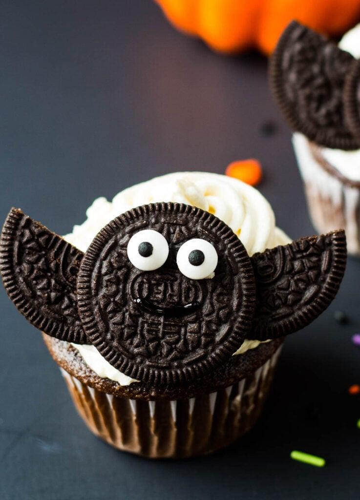oreo bat cupcake