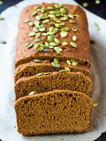 vegan pumpkin bread loaf