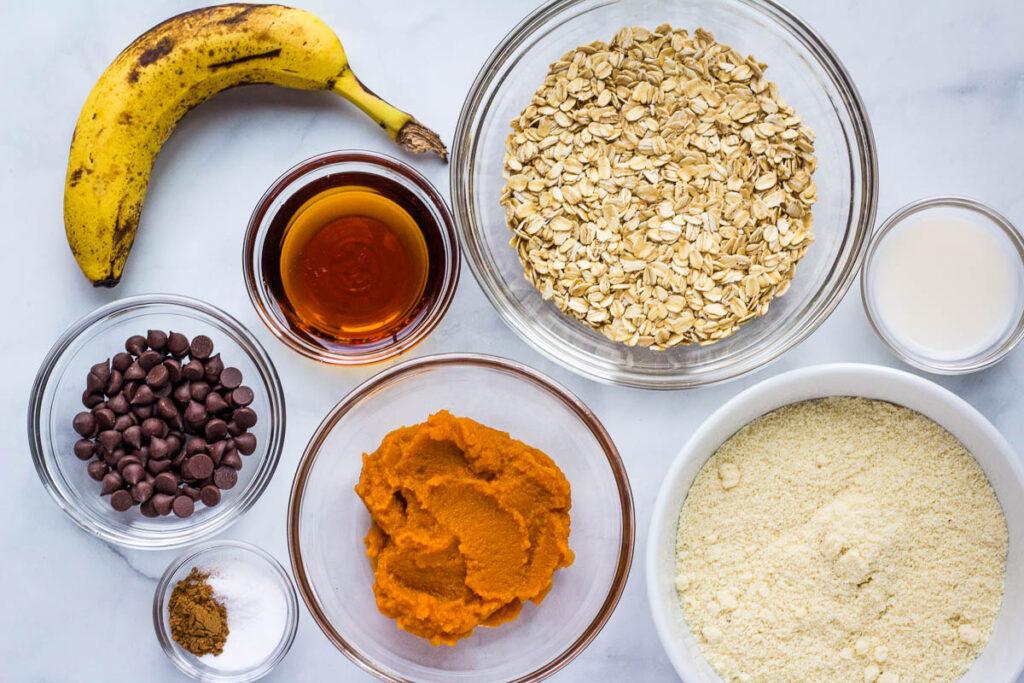 banana, chocolate chips, pumpkin puree, flour, and oats