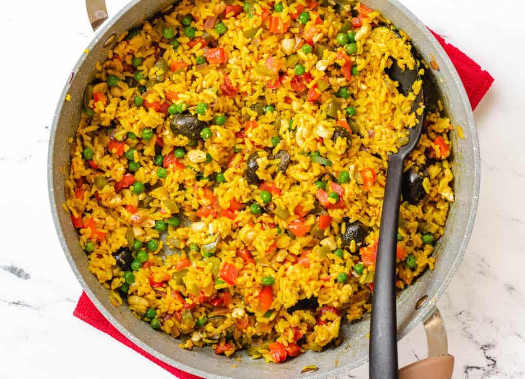 vegan paella in skillet