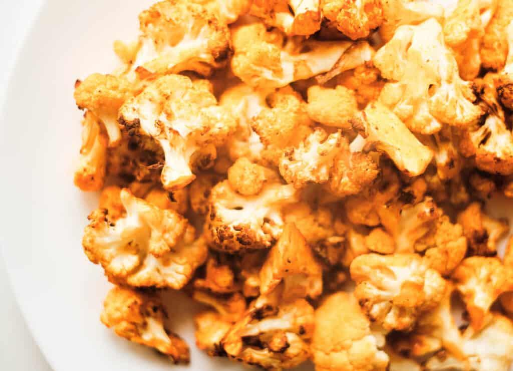 close up of crispy air fryer buffalo cauliflower