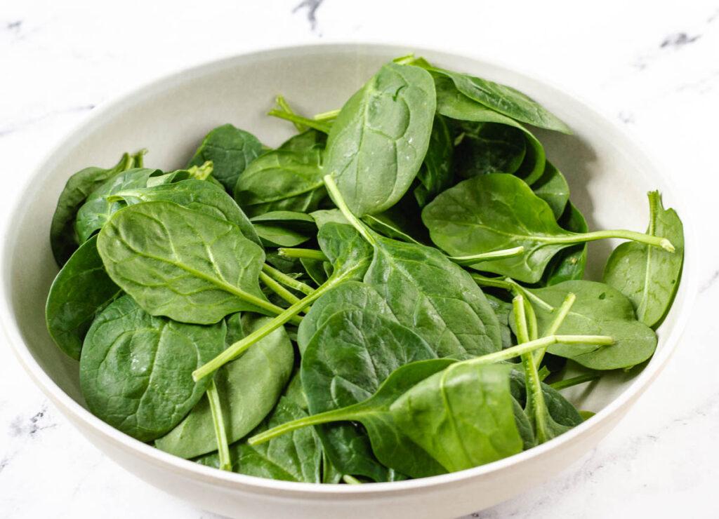 bowl of leaf spinach